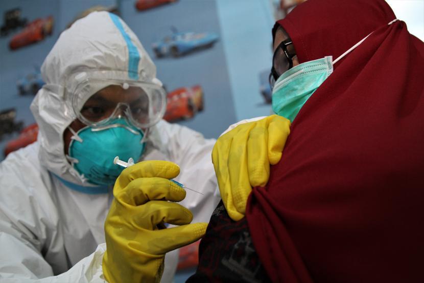 Menko Airlangga Pastikan Vaksin Mandiri Gratis Bagi Karyawan